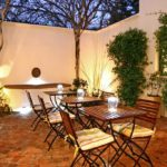 Nine Flowers Guest House - Cape Town Gardens