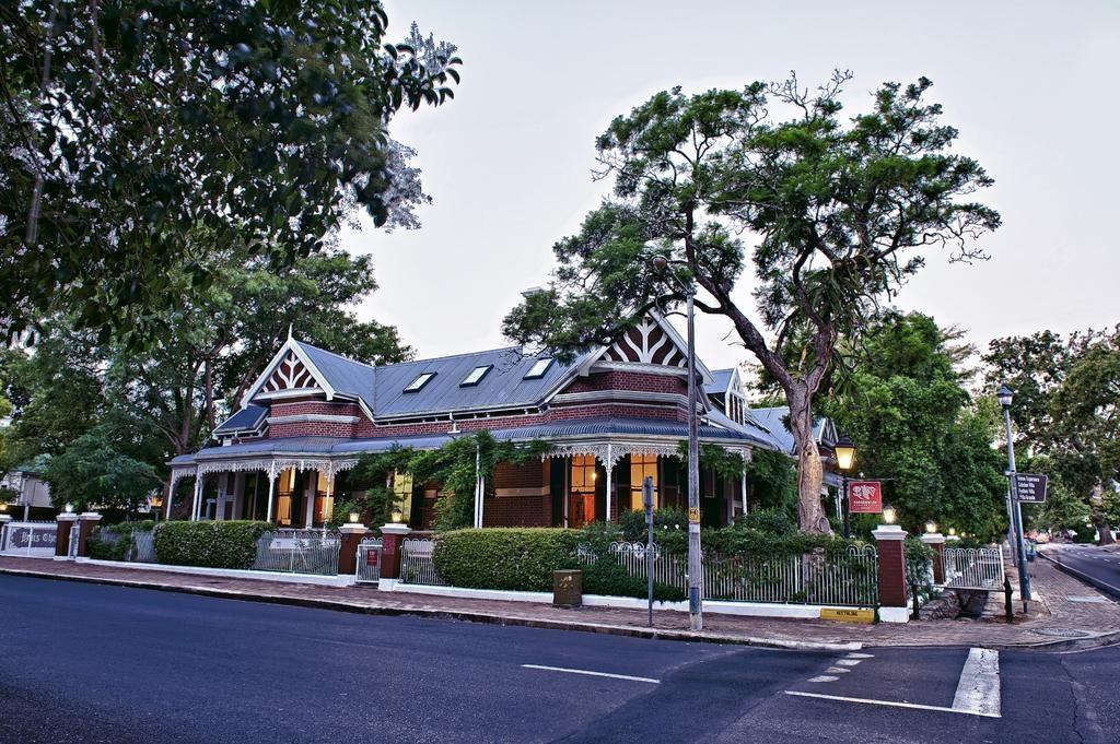 Roosenwijn Guest House - Stellenbosch