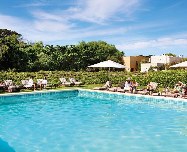 Spier Hotel Hotel-Main-Pool-2-642-x-522_4bcb9c8c309733aa78a0ca65087d9753