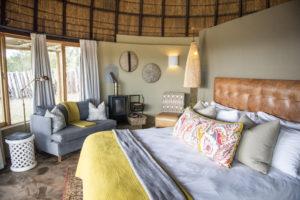 Kwena Lodge Room - Honemoon suite1
