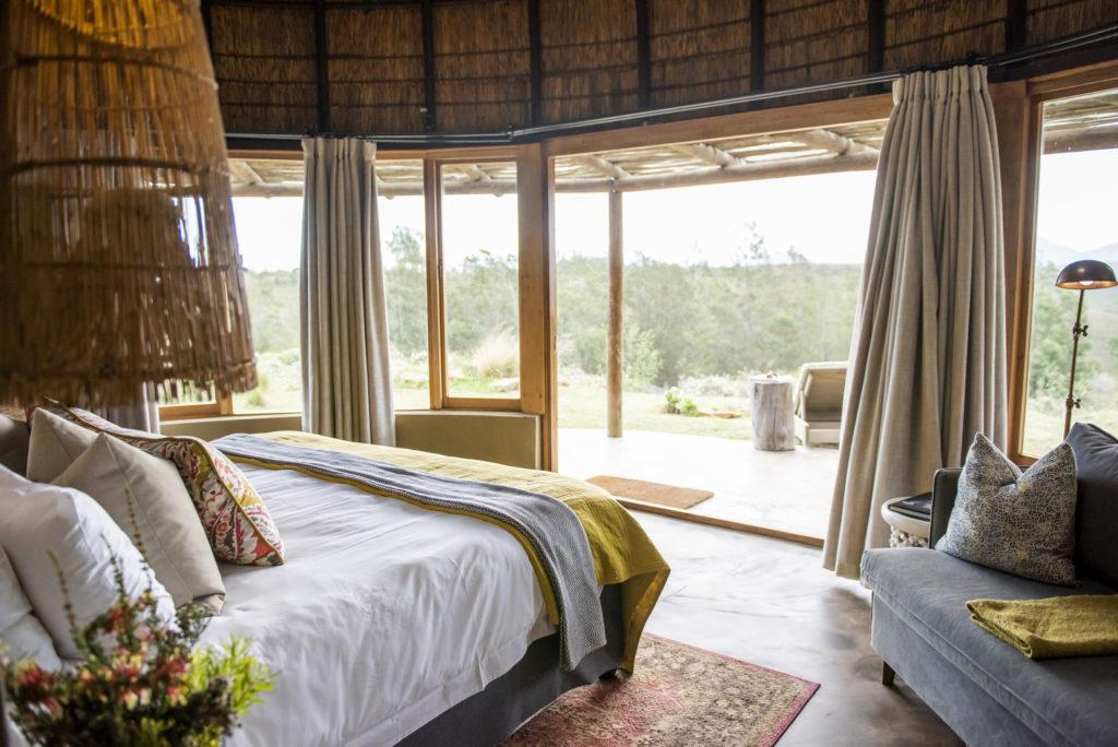 Kwena Lodge Room - Honemoon suite4