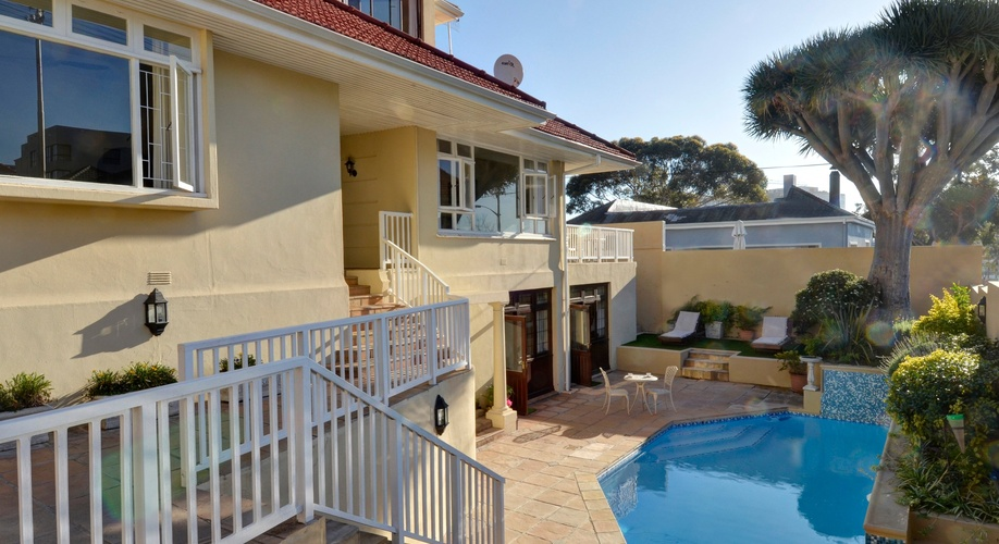Sundown Manor Guest House - Fresnaye - Sea Point