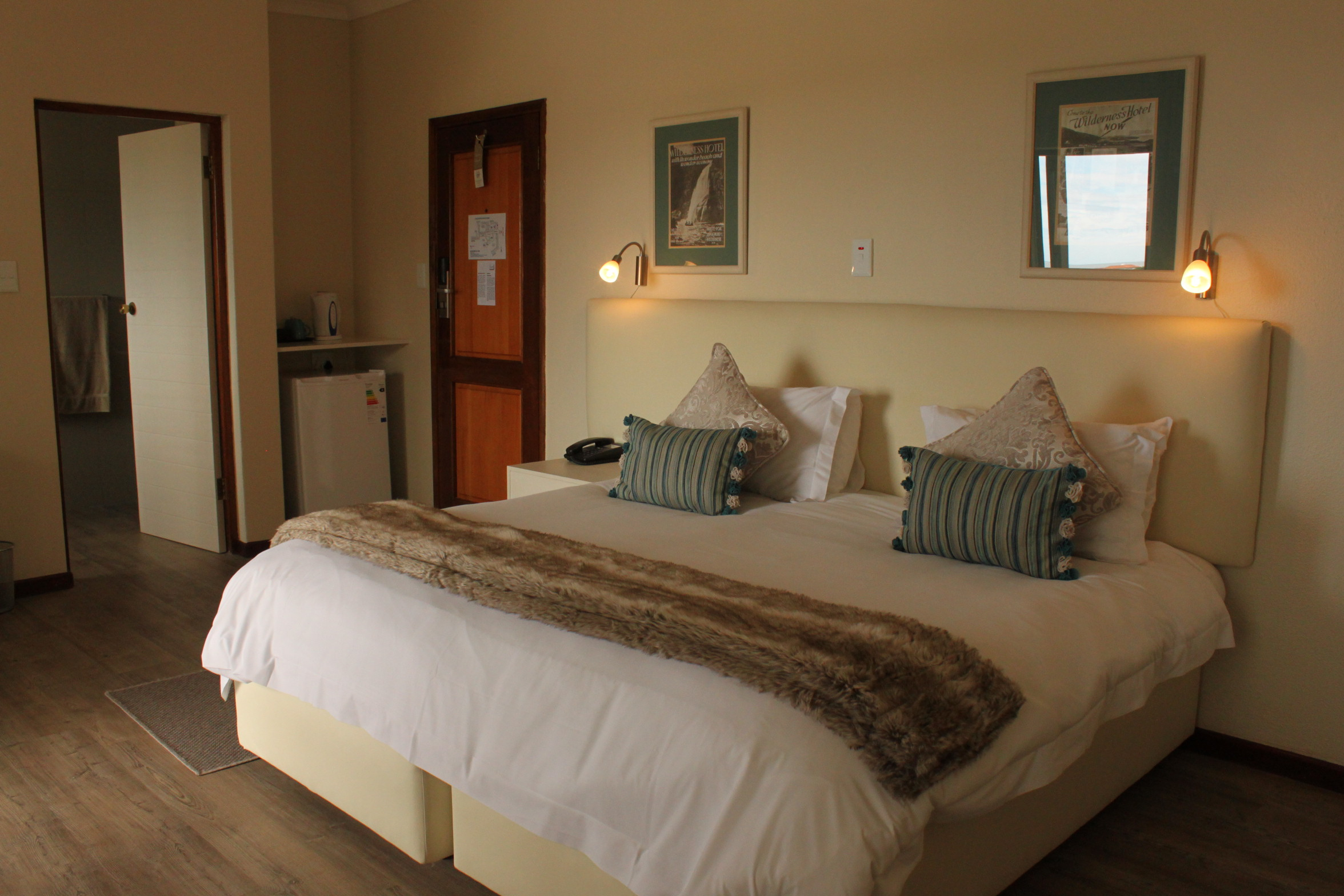 Auto hotel deluxe Motel The Wilderness Hotel Hotellookcom The Wilderness Hotel Golf In The Garden Route South Africa